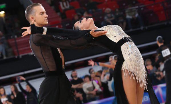 Спортивно-бальные танцы: продвинутый уровень
