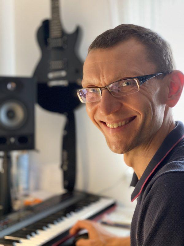 Базовый курс игры на синтезаторе